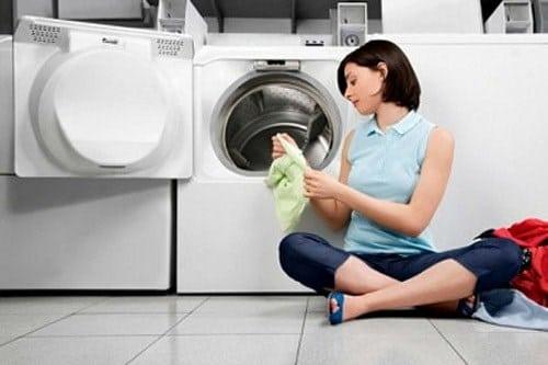 Xử lý máy giặt làm rách quần áo đơn giản